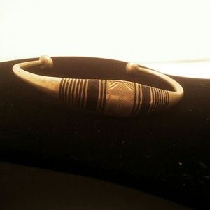 Jewelry - African Gold Bangle Bracelet with Black Design (3)